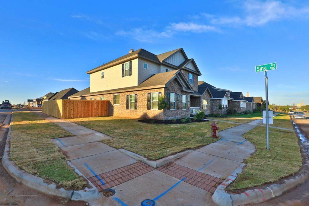 Cornerstone-Custom-Homes-Side View